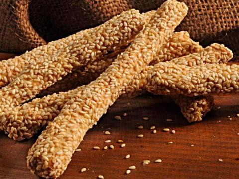 Κριτσίνια-Σουσαμένια-Breadsticks-with-sesame-1